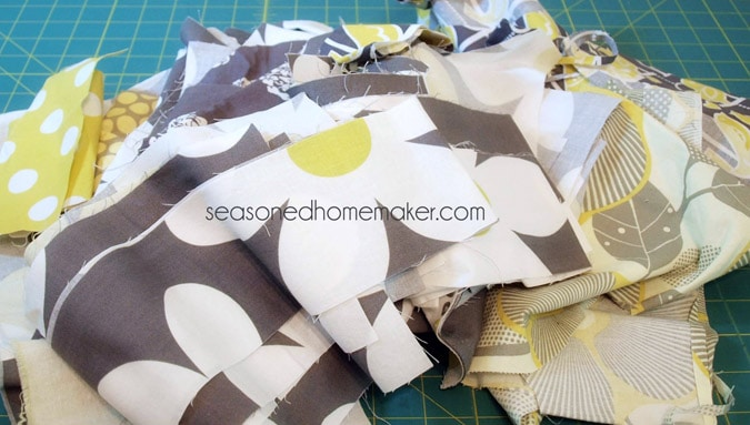 Covering your serger or sewing machine is essential. This simple tutorial will show you how to make a simple serger cover in very little time.