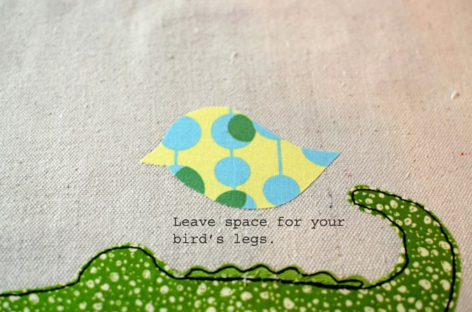 Appliqué is a fun way to express yourself with sewing. Learn How to Applique by following these simple steps. It's easier than you think. sewing | how to sew