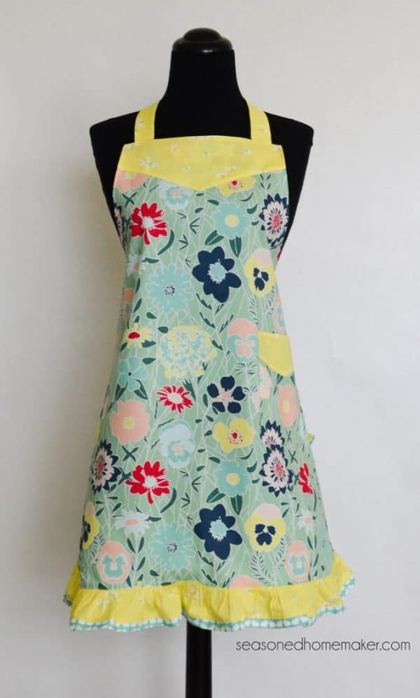 Flirty Chic Retro Apron Pattern