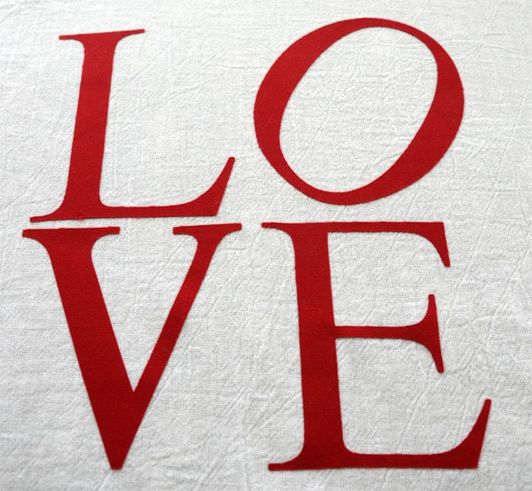 I love the LOVE sculpture in Philadelphia. It is the inspiration for this simple Valentine's Day Appliqué Tea Towel.