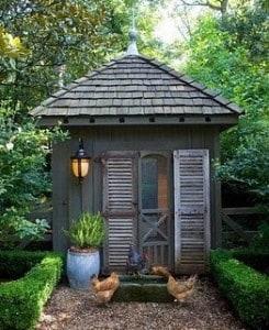 11 >> Garden Sheds - The Seasoned Homemaker