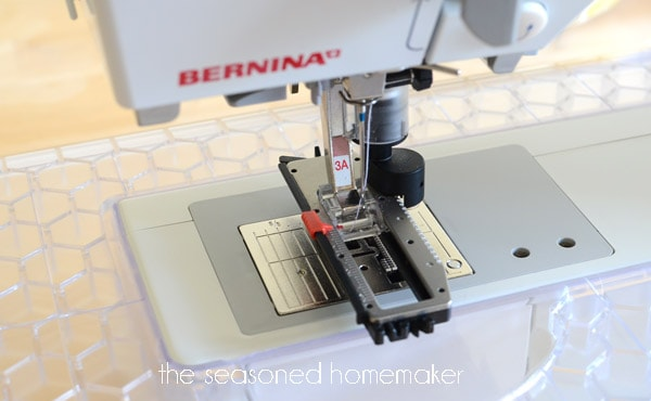I know the secret to making perfect buttonholes with your sewing machine. Learn my tried-and-true method for sewing buttonholes on any machine.