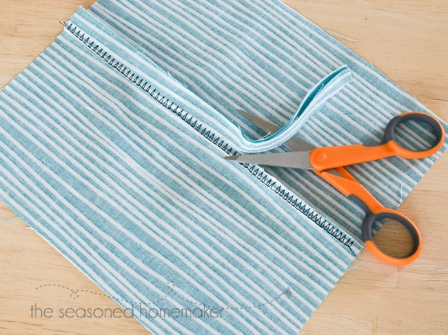 Finish Seams Without A Serger // How To Finish Seams