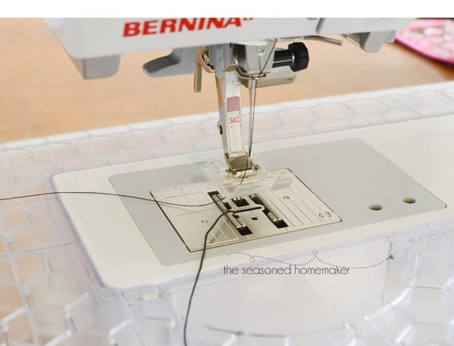 sewing machine with elastic thread