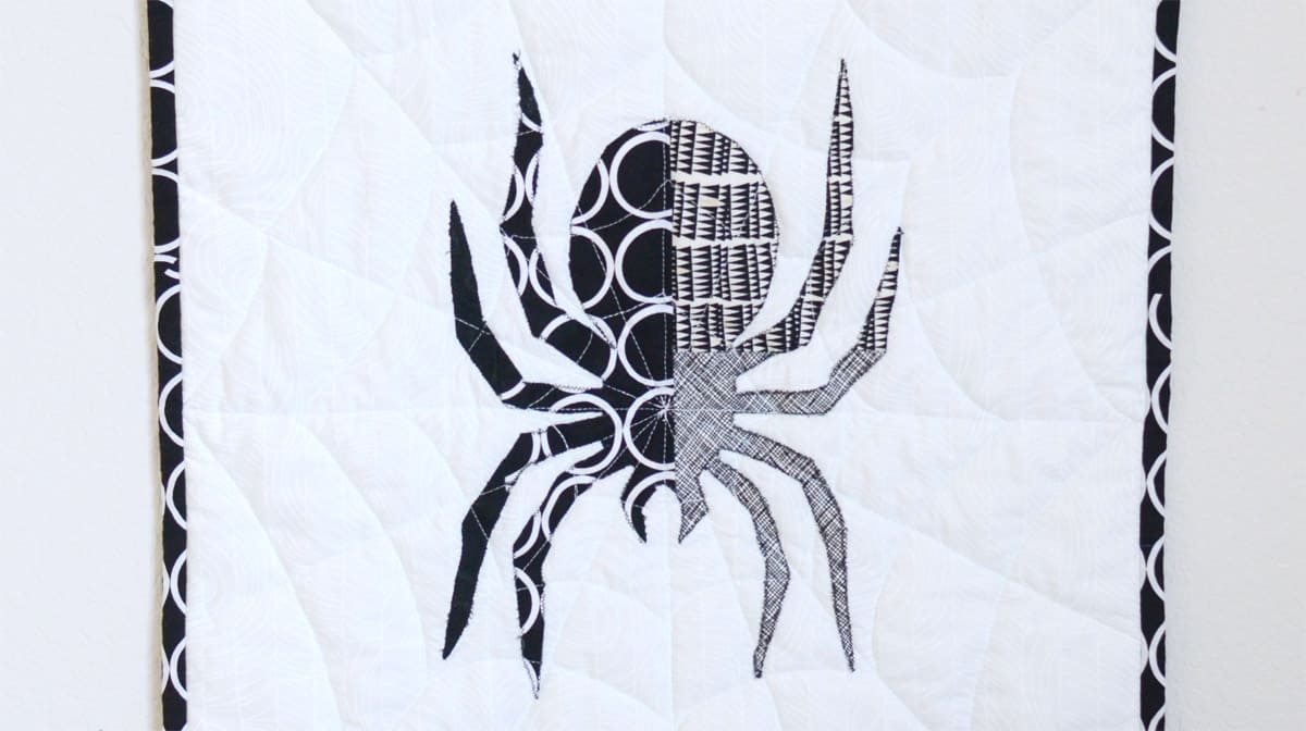 how to make a bewitching halloween spider mini quilt in an afternoon