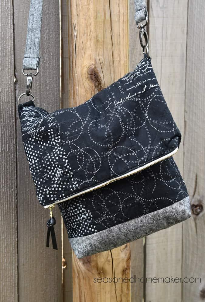 http://www.fatquartershop.com/kimberlys-sac-bag-sewing-pattern