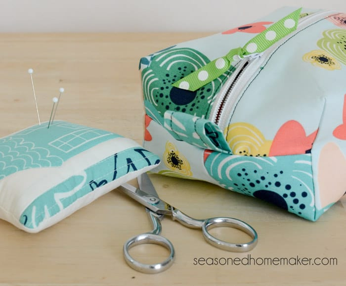 Have you recently taken up Hand Sewing? Taking the time to sew a little something by hand allows you to slow down the process and savor each stitch. To make hand sewing more enjoyable there are a few essential supplies that I recommend.