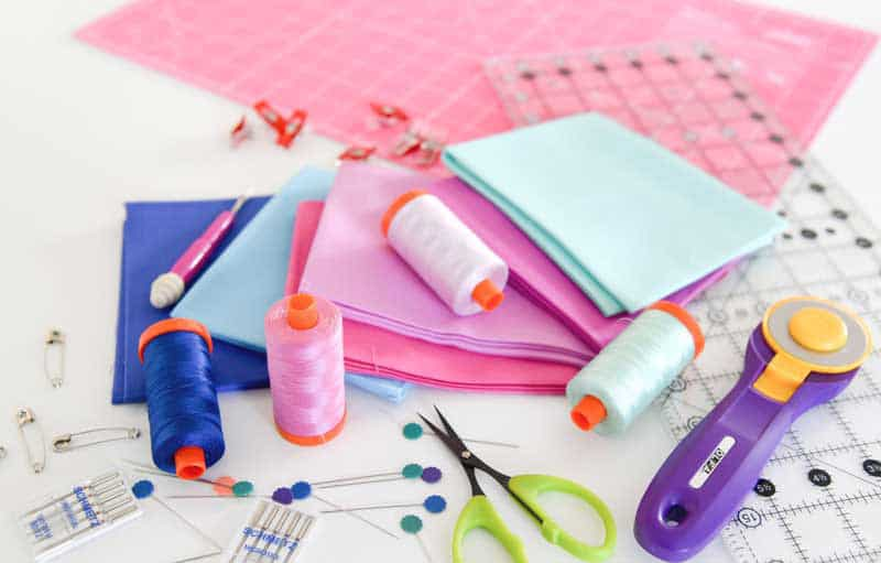 Quilting doesn't have to be difficult when you have the right tool for the job. This list of beginner quilting supplies is perfect for new quilters.