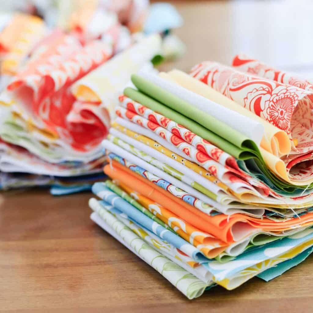 Learn how to choose fabrics for a quilt with these proven tips.
