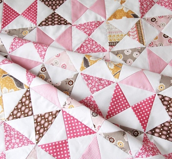 Everyone needs a simple baby quilt pattern in their arsenal. Find one that can be easily assembled and quilted and you'll never wonder what to gift to give at the next baby shower you attend. #babyquilts #easybabyquilt #quiltingtips #firstquilt