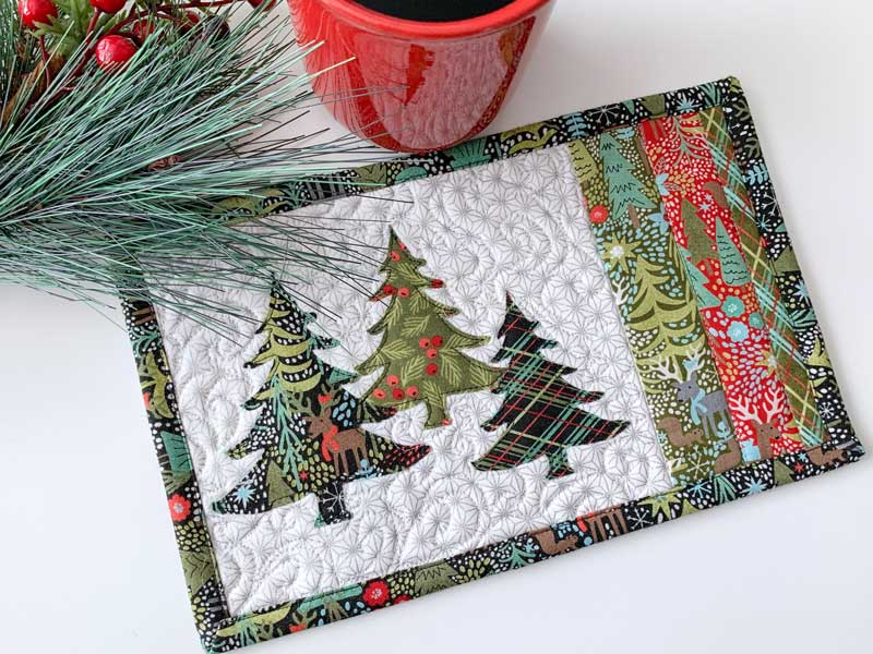 Simple Simple Christmas Mug Rug with Christmas Trees
