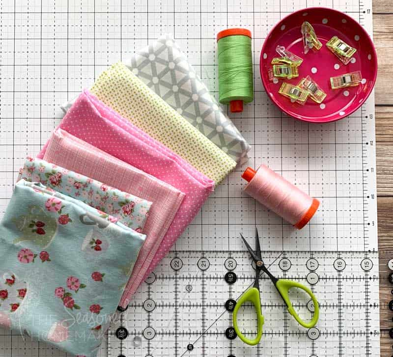 Simple Easter Mini Quilt supplies