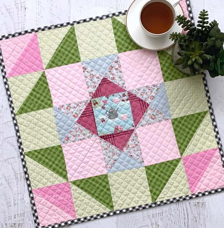Simple Spring & Easter Mini Quilt