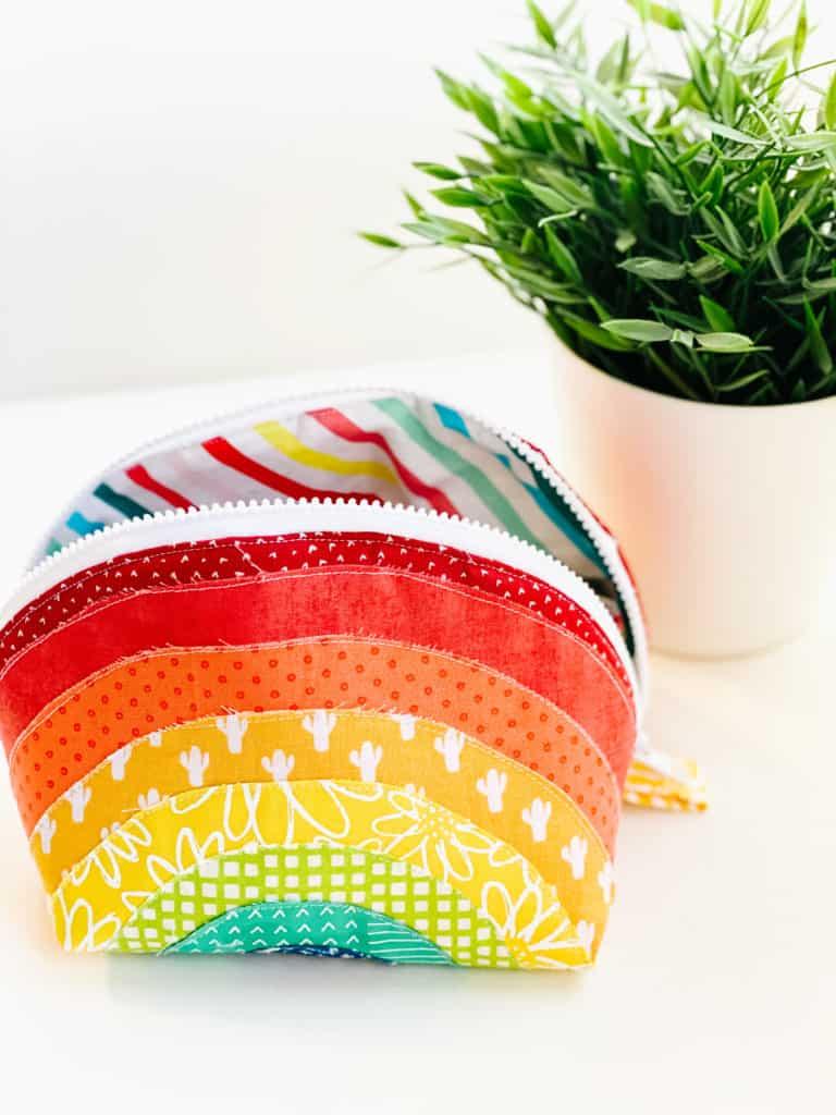 Rainbow Round Zipper Pouch